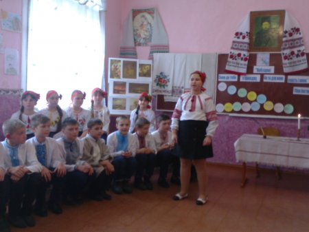 Захід присвячений Шевченківським дням, під назвою «Свіча, запалена від серця».